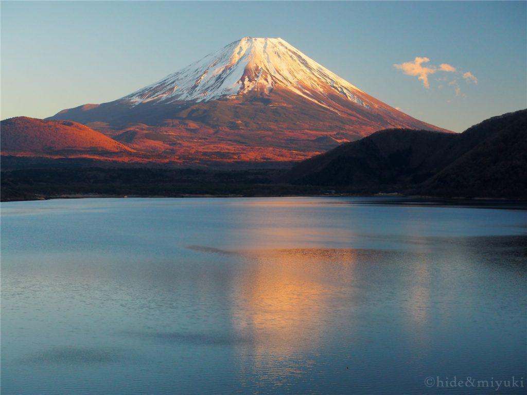 本栖湖越しの富士山2