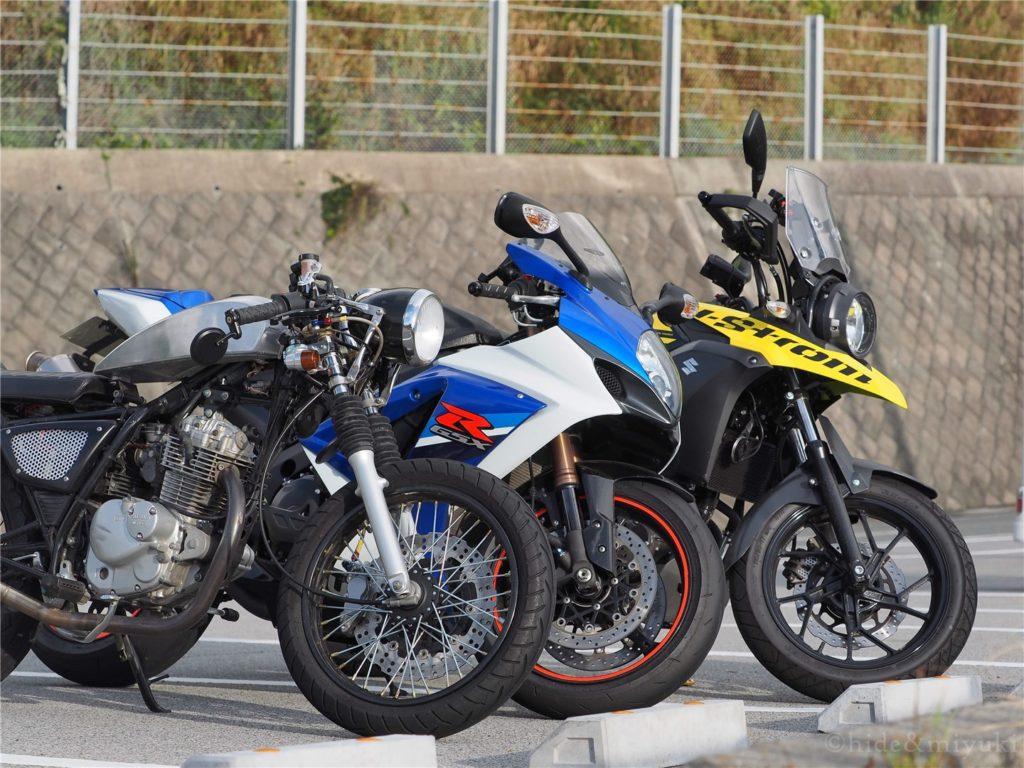ツーリングに来たバイク3台で一枚@旅人岬